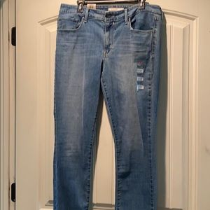 Brand New Levi's Classic Mid-Rise Skinny Size 16